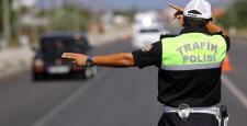Polis alkollü araç kullananlara göz açtırmıyor