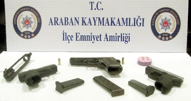 Polis uygulamasında silah ele geçirildi