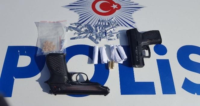 Gaziantep'te silah ve uyuşturucu ele geçirildi