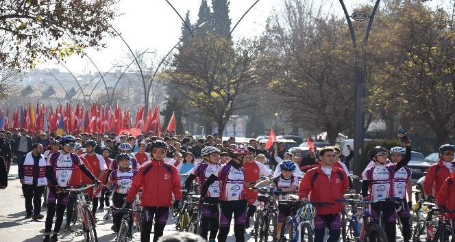 Gaziantep'te binlerce kişi Karkamış Şehitleri için yürüdü