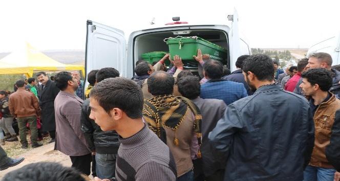 Feci kazada ölen 9 kişi gözyaşlarıyla defnedildi