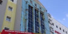 Hastanede iskele çöktü: 4 yaralı