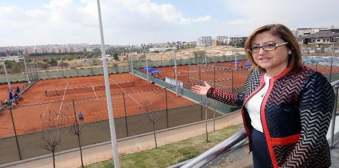 Sporculardan yeni tenis kompleksine tam not