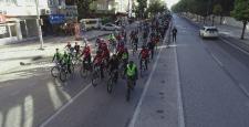 Tahmazoğlu vatandaşlarla Cumhuriyet için pedal çevirdi