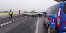 Hatalı sollama kazaya sebep oldu: 3 yaralı