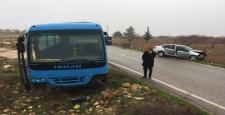 Gaziantep'te Yolcu Midibüsü ile Otomobil Çarpıştı: 5 Yaralı