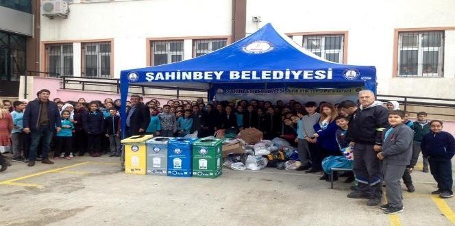 Şahinbey Belediyesi çocuklara geri dönüşümü öğretiyor