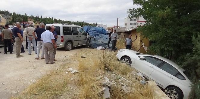Mezarlıkta İlginç Kaza: 4 Yaralı