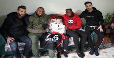 Gaziantep FK futbolcuları Enes'in hayalini gerçekleştirdi
