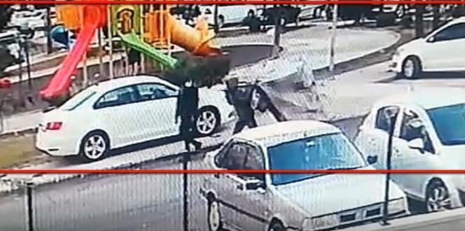 El arabalı hırsızlar güvenlik kamerasında