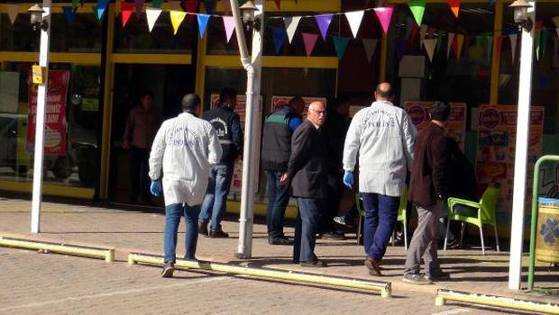 Gaziantep'te bomba ihbarı yapılan market boşaltıldı