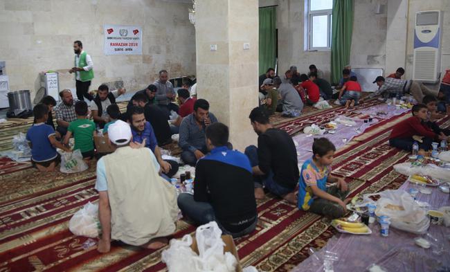 Gaziantep Afrin'de Her Gün 10 Bin Kişiye İftar Yemeği