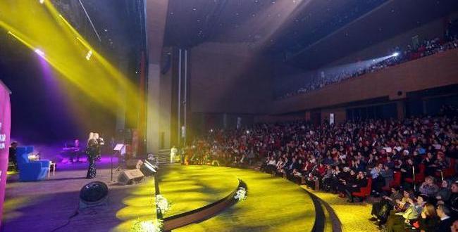 Gaziantep'te, Zerrin Özer konseri
