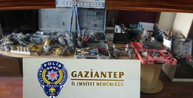 Kameradan belirlenen 2 hırsızlık şüphelisi yakalandı