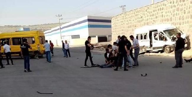Gaziantep'te İşçi Servisleri Çarpıştı: 9 Yaralı