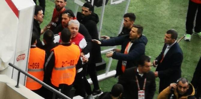 Gaziantep'te Marius Sumudica maç sonu çıldırdı!