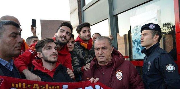 Galatasaray kafilesi Gaziantep'e geldi.
