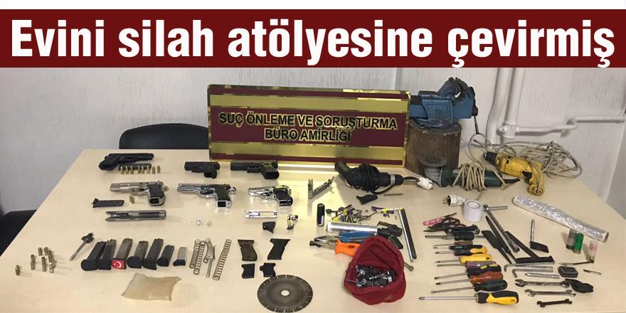 Evde yapılan aramada silah atölyesi ortaya çıktı