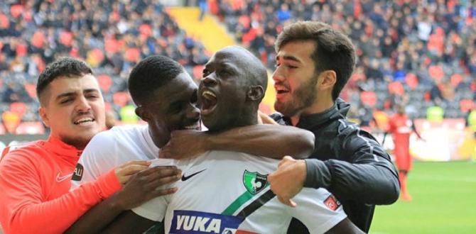 Denizlispor Gaziantep'te 2-1 kazandı .