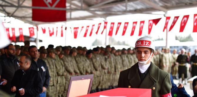 Şehit Tankçı Sözleşmeli Er Mustafa Ertürk toprağa verildi
