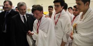 Belediyeden Lise Öğrencilerine Umre Ödülü
