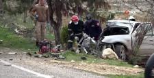 Gaziantep'te iki araç kafa kafaya çarpıştı