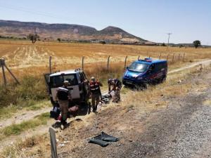 Hafif Ticari Araç Takla Attı: 8 Yaralı