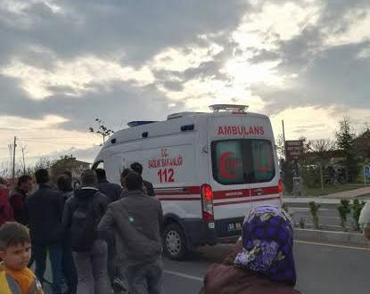 Karşıdan karşıya geçen adama otomobil çarptı
