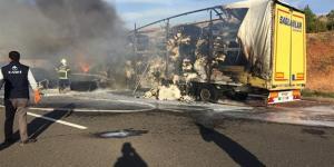 Kaza Yapan Tır'daki Pamuklar Yandı