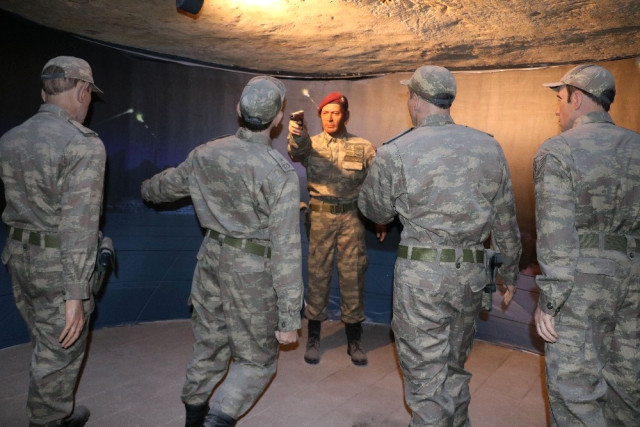 Gaziantep Savaş Müzesinde Ömer Halisdemir Köşesi