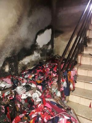Yangında Mahsur Kalan 4 Kişiyi İtfaiye Kurtardı
